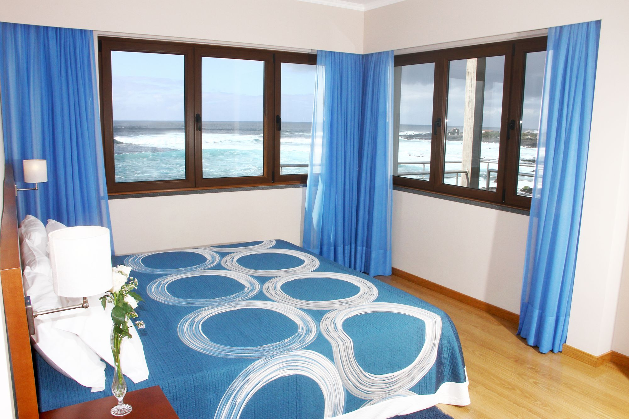 Baia da Barca_Beispiel Schlafzimmer T1-Apartment mit Meerblick