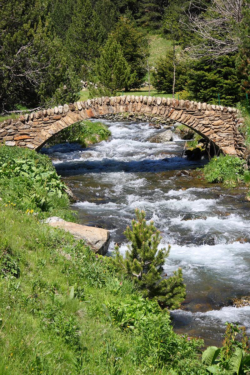 Natursteinbrücke Ransol-Tal