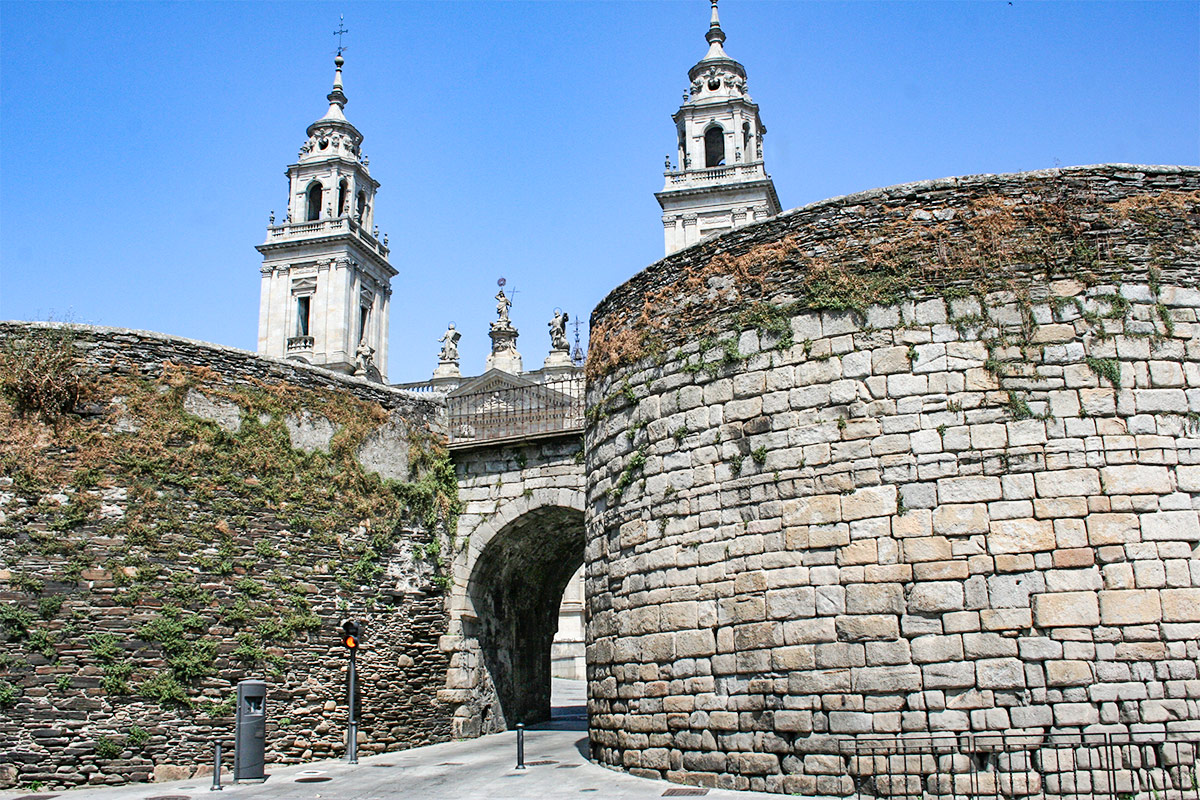 Das Stadttor von Lugo