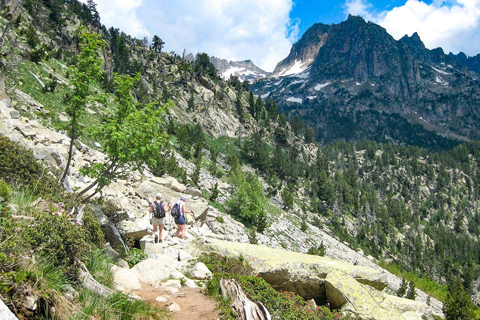Ausblick auf Berge im Aigüestortes Nationalpark